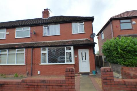Boundary Park Road, Oldham, Greater Manchester, OL1. 3 bedroom terraced house