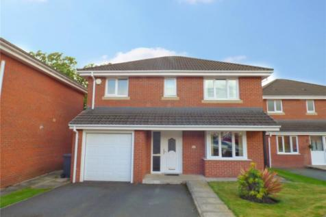 Boundary Drive, Boundary Park, Oldham, Greater Manchester, OL1. 4 bedroom detached house for sale