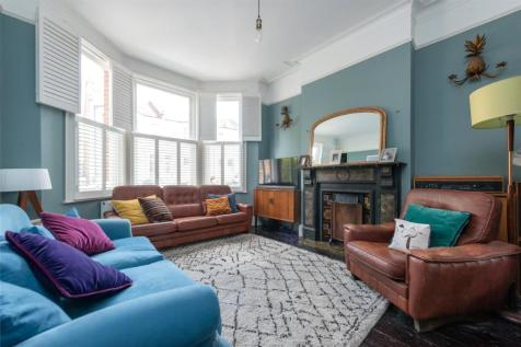 Bathurst Gardens, London, NW10. 5 bedroom terraced house for sale