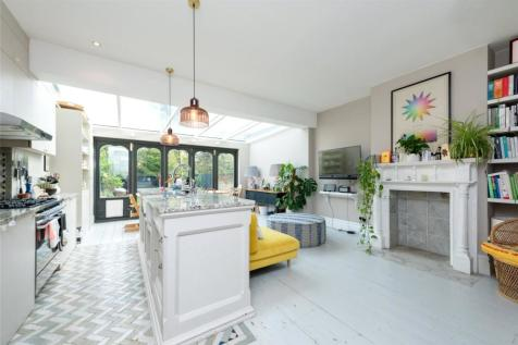 Holland Road, Kensal Green, London, NW10. 4 bedroom end of terrace house for sale