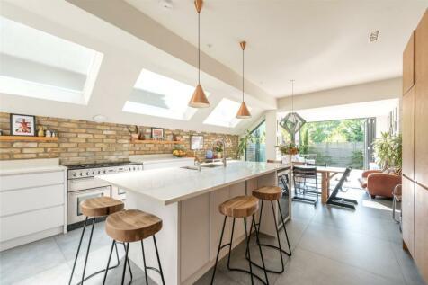 Bathurst Gardens, London, NW10. 5 bedroom terraced house