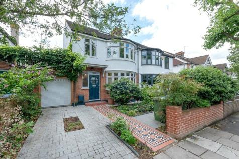 Doyle Gardens, London, NW10. 4 bedroom end of terrace house