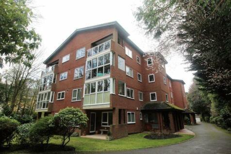 2 Wilderton Road West, Branksome Park Poole BH13 6EF. 2 bedroom flat