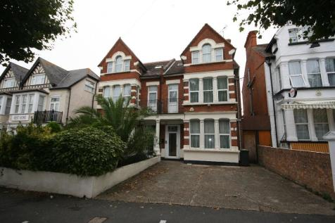 Manor Road, Westcliff-On-Sea, Essex, SS0. 12 bedroom semi-detached house