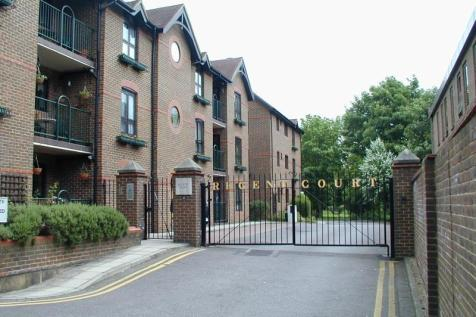 Regent Court, Windsor. 2 bedroom apartment