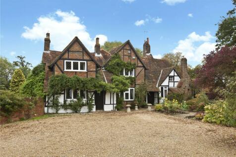 Cross Oak Lane, Salfords, RH1. 4 bedroom detached house for sale