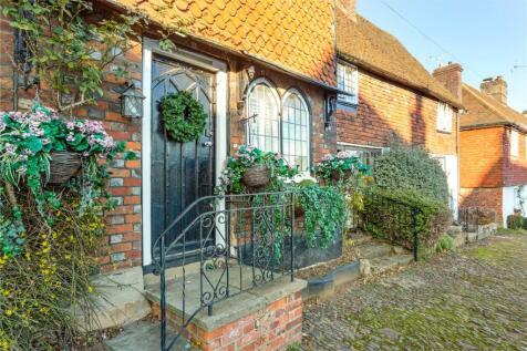 High Street, Bletchingley, Redhill, RH1. 1 bedroom terraced house