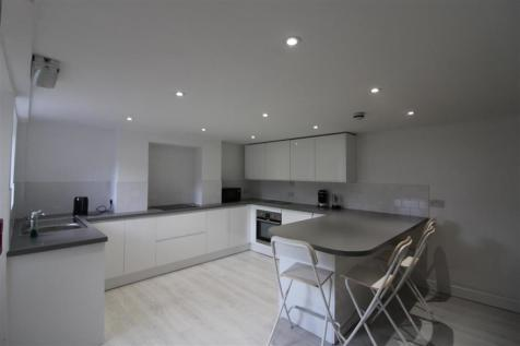 Henstead Road, ***VIDEO TOUR AVAILABLE***, Southampton. 6 bedroom town house