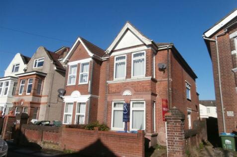 Wilton Avenue, Southampton. 5 bedroom semi-detached house
