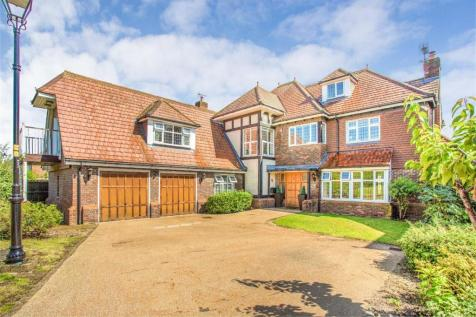 Augustus Close, Stanmore, Middlesex. 7 bedroom detached house