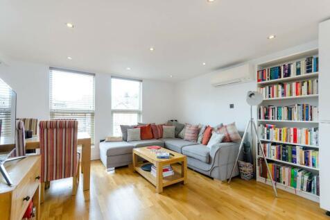 Cambridge Road, Kingston, Kingston upon Thames, KT1. 2 bedroom flat