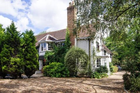 Woodhall Road, Pinner, HA5. 7 bedroom detached house for sale