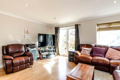 Thrush Green, North Harrow, Harrow, HA2. 3 bedroom house