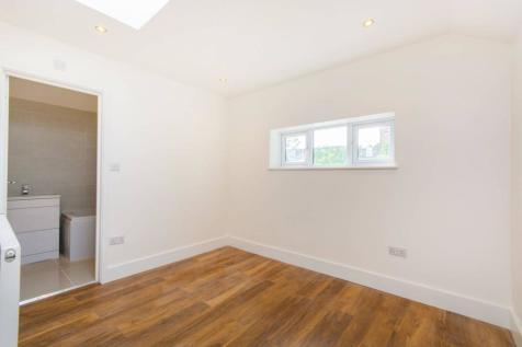 Forest Hill Road, East Dulwich, London, SE22. 3 bedroom terraced house
