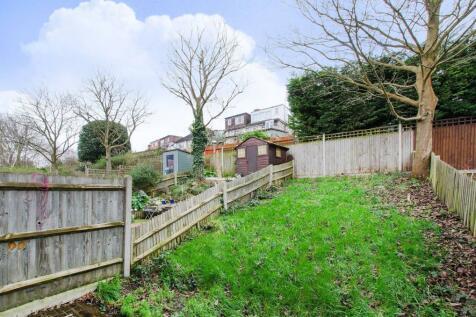 Buckley Close, Honor Oak Park, London, SE23. 3 bedroom house