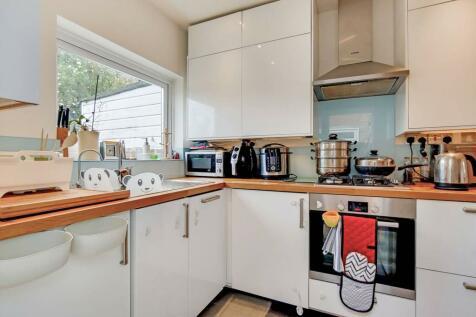 Elsinore Road, Forest Hill, London, SE23. 2 bedroom house