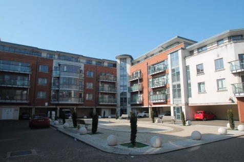 Victoria Court, New Street. 2 bedroom apartment