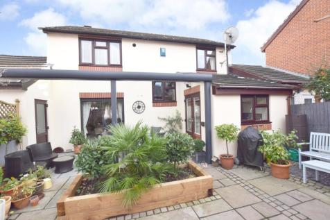 Exeter. 3 bedroom detached house