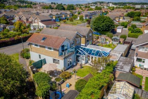 Exeter Road, Portishead. 5 bedroom detached house