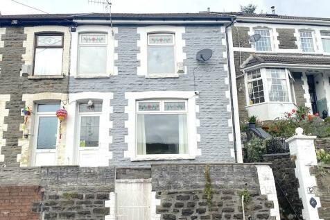Penrhys Road, Tylorstown - Ferndale. 3 bedroom terraced house