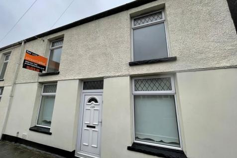 William Street, Ystrad - Pentre. 2 bedroom end of terrace house