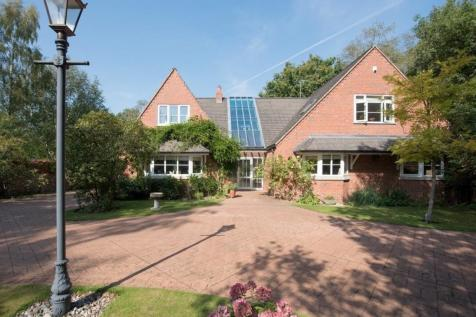 Vale Avenue, Aldridge. 4 bedroom detached house