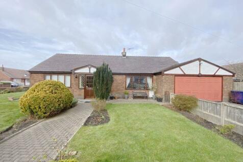 Broad Oak Lane, Penwortham. 5 bedroom detached bungalow