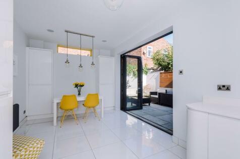Swinley Road, Wigan. 3 bedroom semi-detached house for sale
