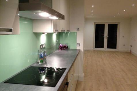 Ellisons Quay, Lincoln, Lincolnshire, LN1. 2 bedroom apartment