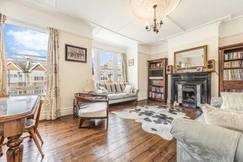 Telford Avenue Streatham SW2. 2 bedroom flat