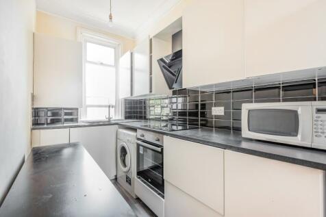 Bellamy Street Balham SW12. 3 bedroom flat