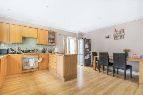 Hydethorpe Road Balham SW12. 3 bedroom house