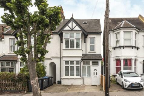 Chisholm Road Croydon CR0. 4 bedroom flat