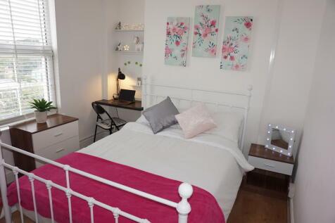 Caellepa, Bangor, Gwynedd, LL57. 4 bedroom terraced house