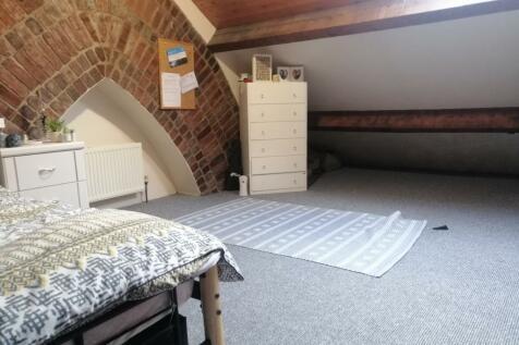 Friars Avenue, Bangor, Gwynedd, LL57. 5 bedroom terraced house