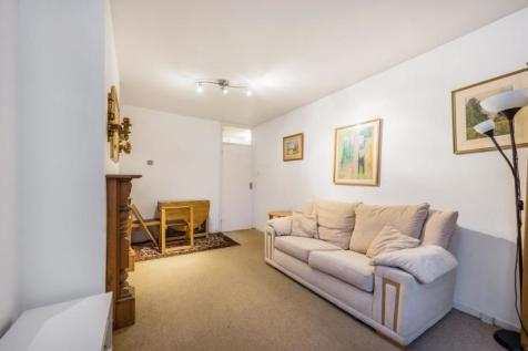 St. Mark's Grove London SW10. 1 bedroom flat