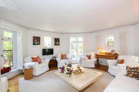 Fitzjohns Avenue Hampstead NW3. 2 bedroom flat