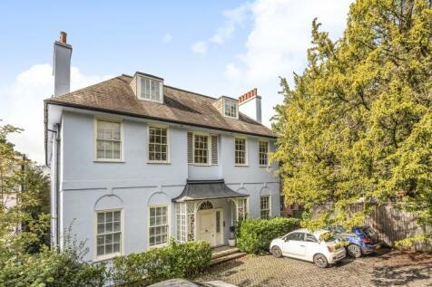 Sydenham Hill London SE26. 3 bedroom flat