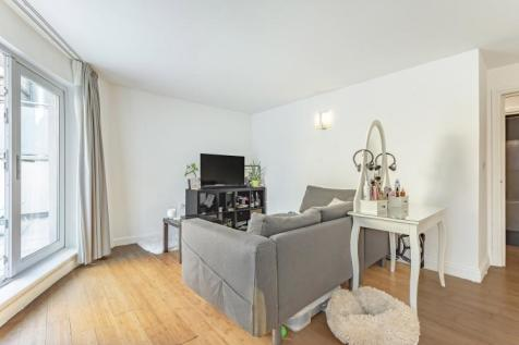 Wandsworth High Street Wandsworth SW18. 2 bedroom flat