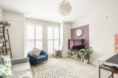 Palace Road London SW2. 1 bedroom apartment