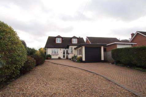 West Street, Ewell Village, Surrey, KT17. 3 bedroom detached house