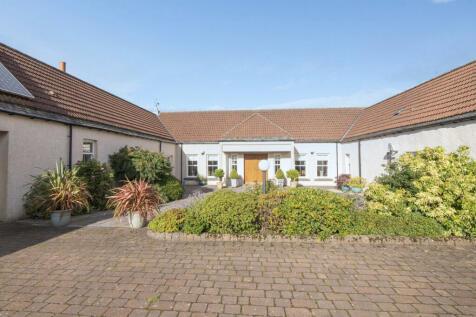 West Byre, Cauldbarns Farm, Stirling. 4 bedroom character property