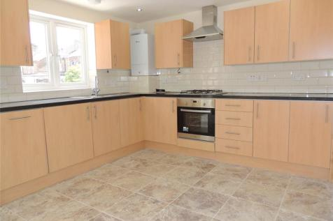 Nutfield Road, Merstham, Redhill, Surrey, RH1. 2 bedroom apartment