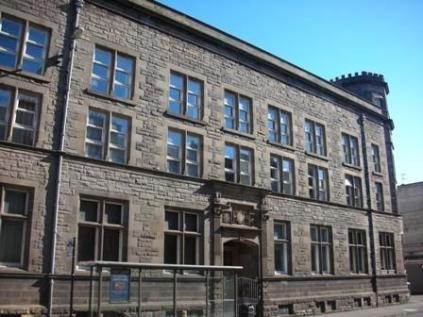 Hermand Crescent, Slateford, Edinburgh, EH11. 2 bedroom flat