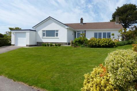 Higher Island, Blackawton. 3 bedroom detached bungalow