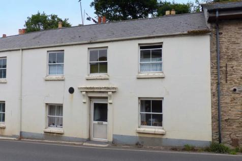 Embankment Road, Kingsbridge. 2 bedroom terraced house