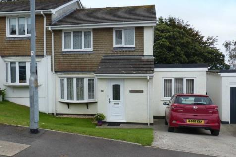 Vincents Road, Kingsbridge. 4 bedroom semi-detached house