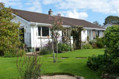 Frogmore. 3 bedroom detached house for sale
