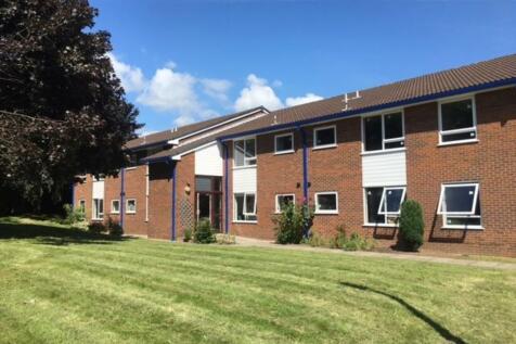 Varsity Plus, Rivergreen, Clifton, Nottingham, NG11 8BD. Studio flat