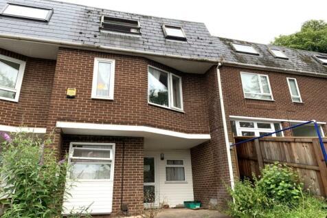 Eldertree Gardens, Exeter, EX4. 5 bedroom terraced house